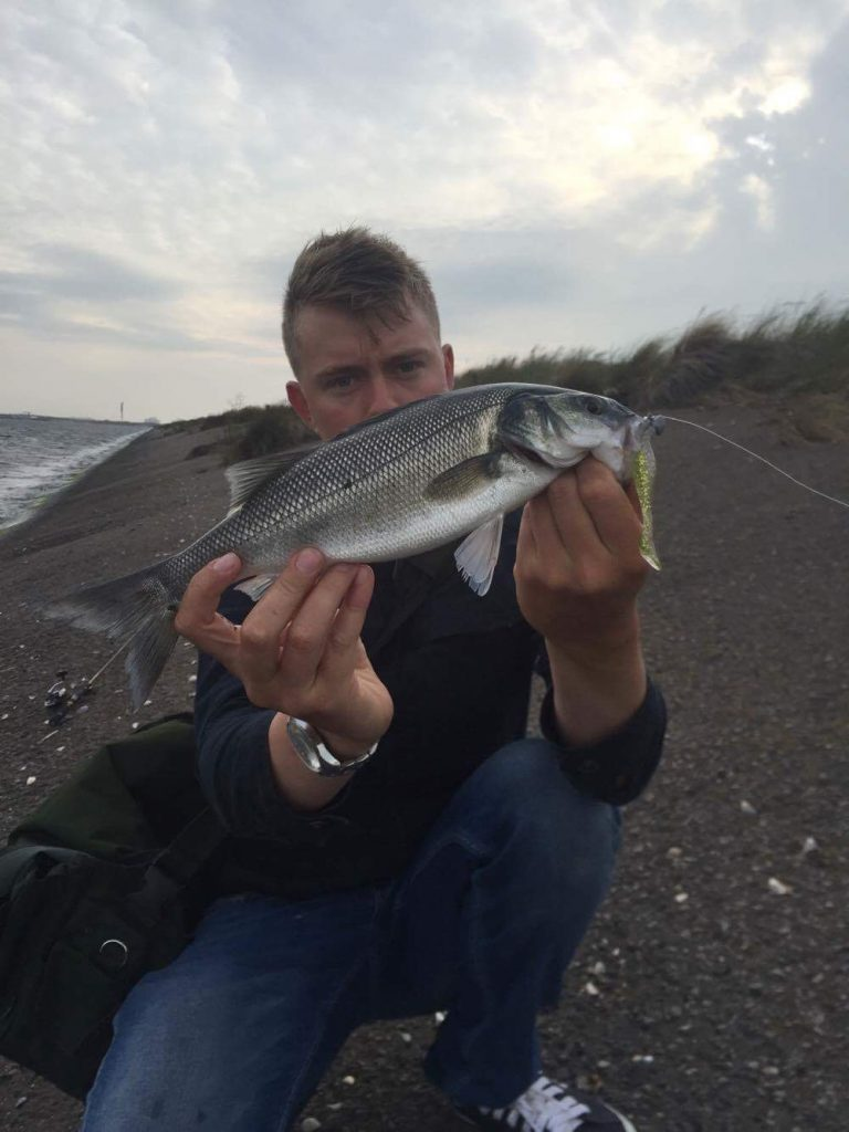 Louis Cache, testeur Flashmer avec un bar pris au Turbo Shad